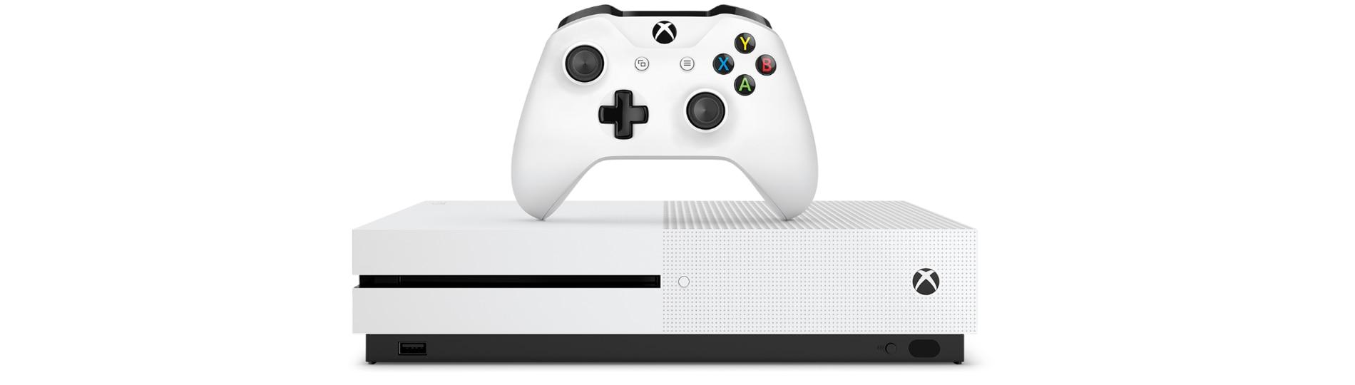 Vista frontal de una consola Xbox One S y un mando