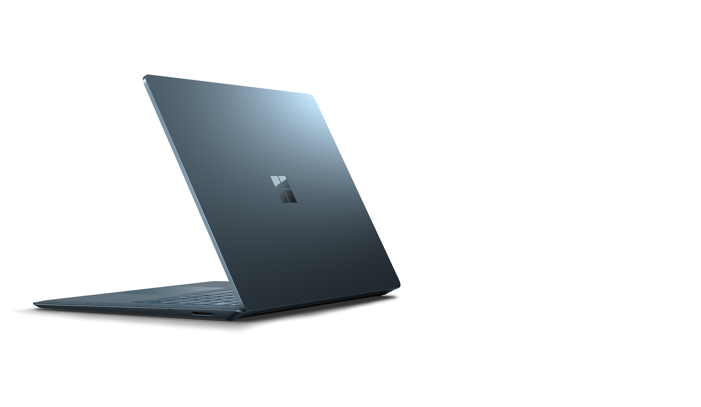Surface Laptop 2 左后侧视图