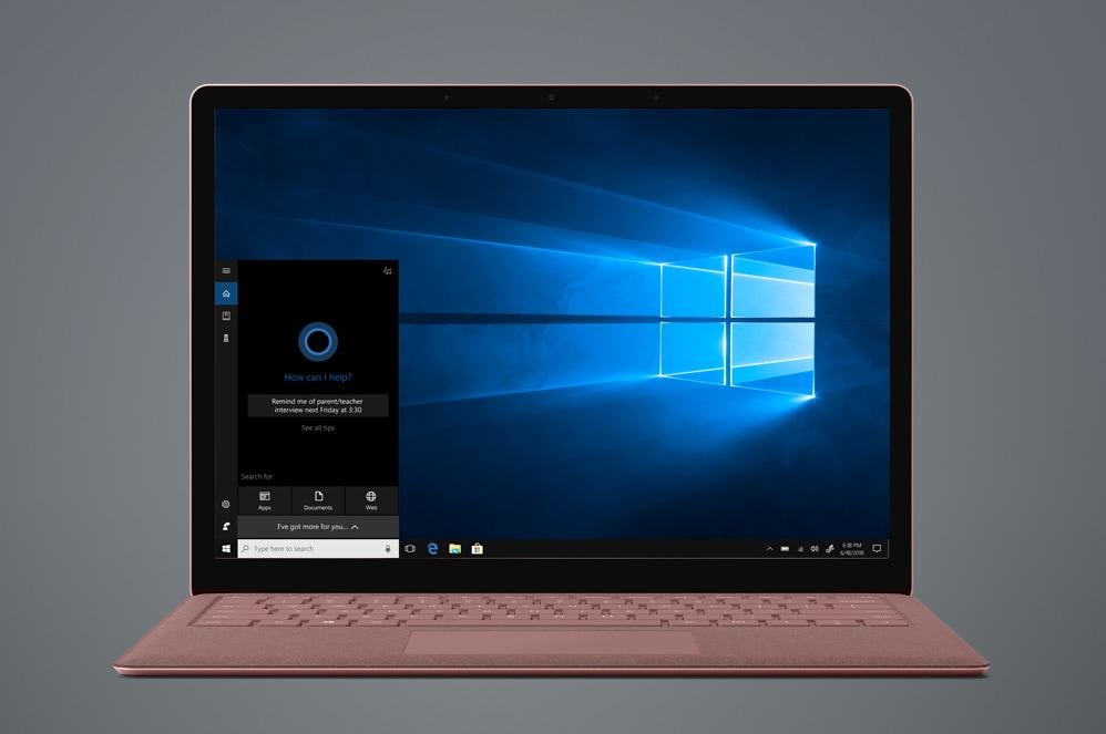 """典雅黑色 Surface Laptop 2 電腦上顯示著 Windows""""開始""""屏幕"""