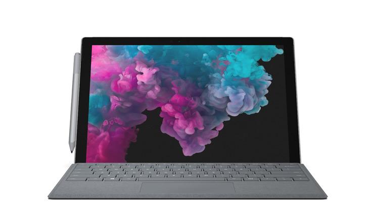 การแสดงอุปกรณ์ Surface Pro 6 พร้อมด้วย Type Cover สำหรับ Surface Pro