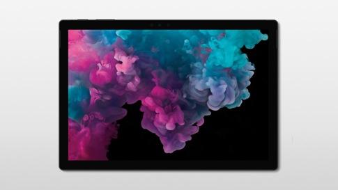採用平板電腦模式的黑色 Surface Pro 6