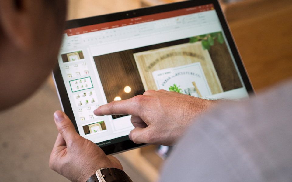 PowerPoint on a Windows tablet computer