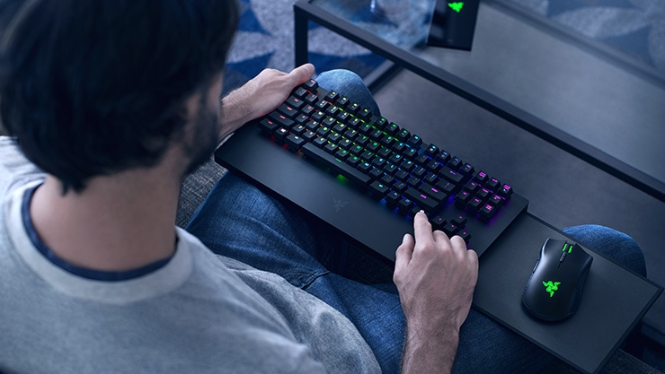 Xbox Razer Keyboard content placement