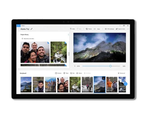 Tablet se zobrazenou aplikací Fotografie a editorem videí.