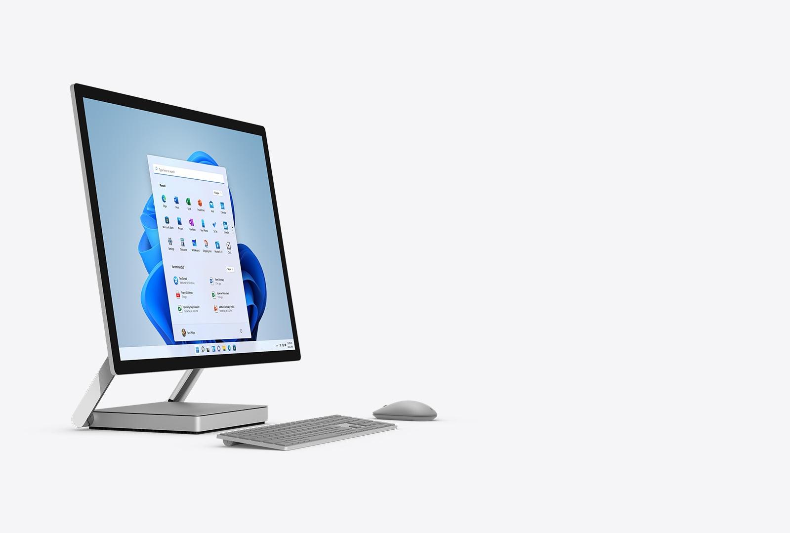 Surface Studio 2 mit Tastatur und Maus