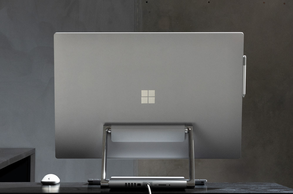 Surface Studio 2 sobre un escritorio