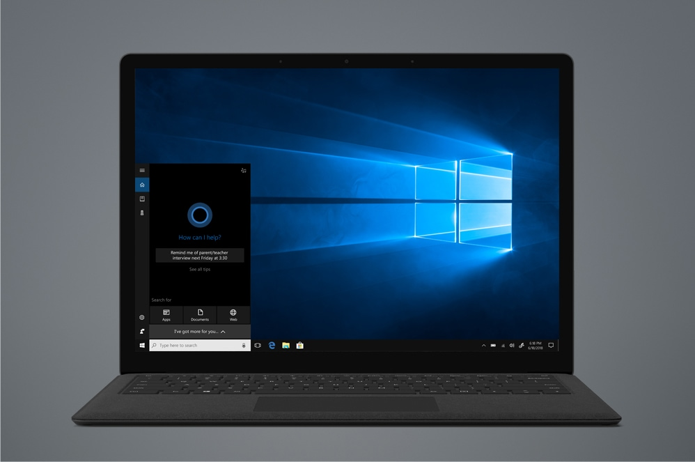 Windows スタート画面を表示するブラックの Surface Laptop 2
