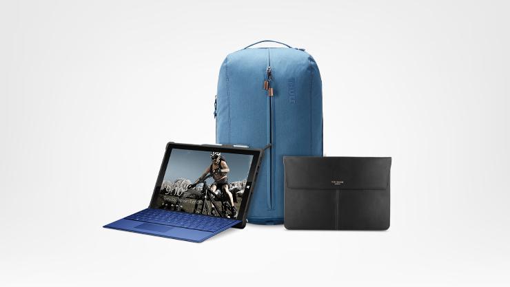 Custodia in pelle, Surface con tastiera blu, Zaino per laptop Thule Vea da 21 l in stoffa.