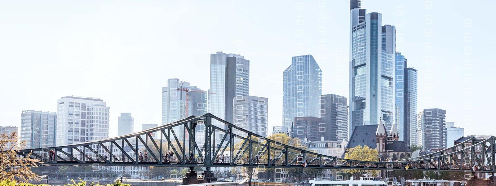 Die Skyline von Frankfurt ist zu sehen.