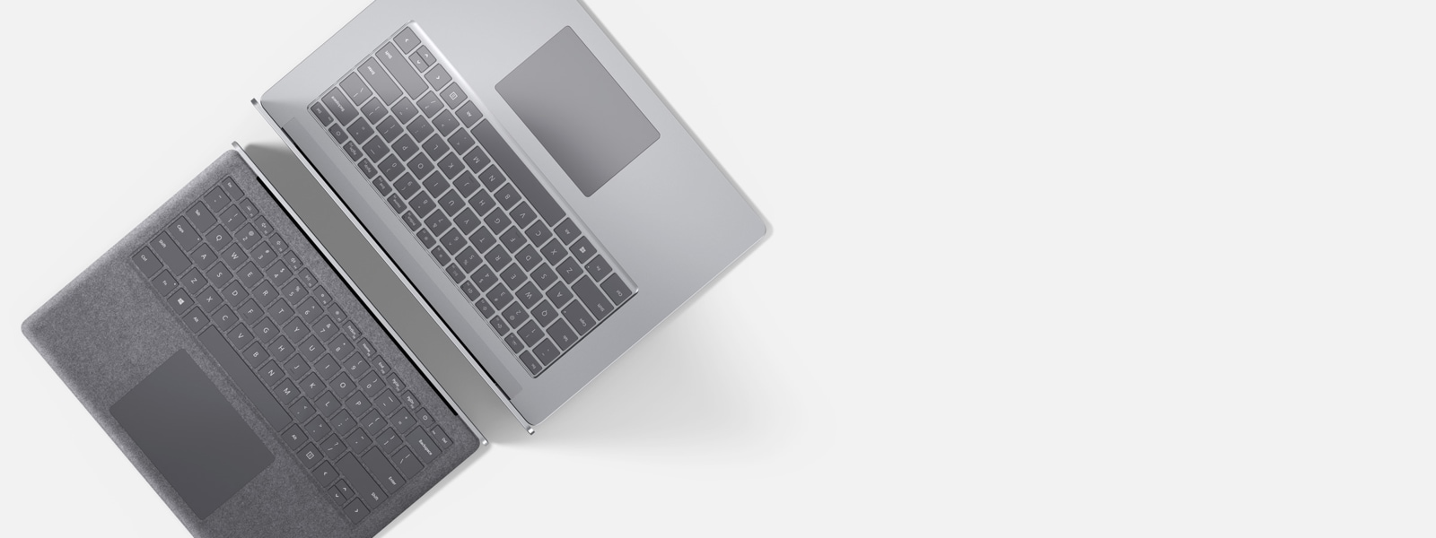 "Due dispositivi Surface Laptop 3 da 13,5"" e 15"" contrapposti"