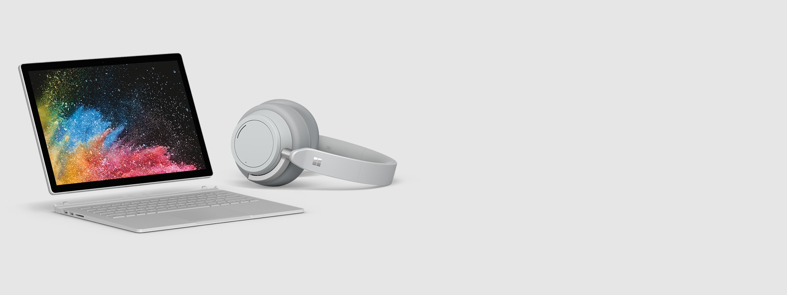 Surface Book 2 mit Surface Headphones