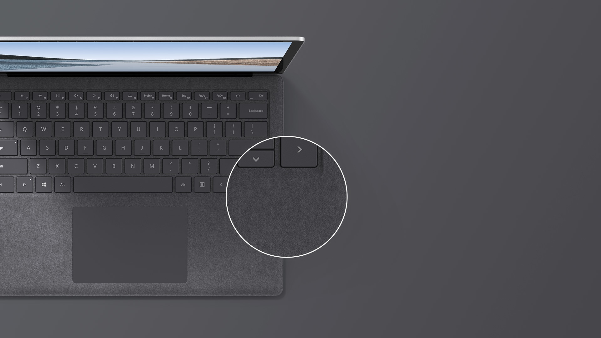 "13,5"" Surface Laptop 3 i platin set oppefra og ned"