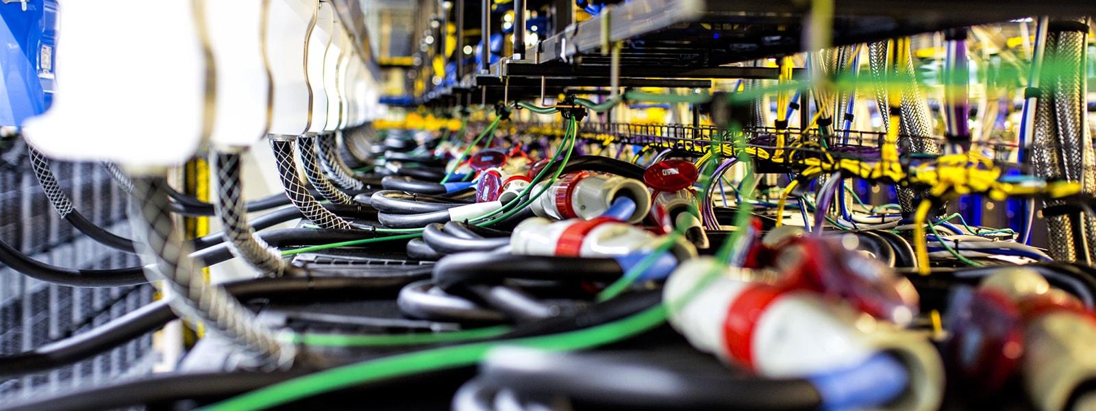 イメージ:エキスパートに聞く! 未来を実現する IT インフラ