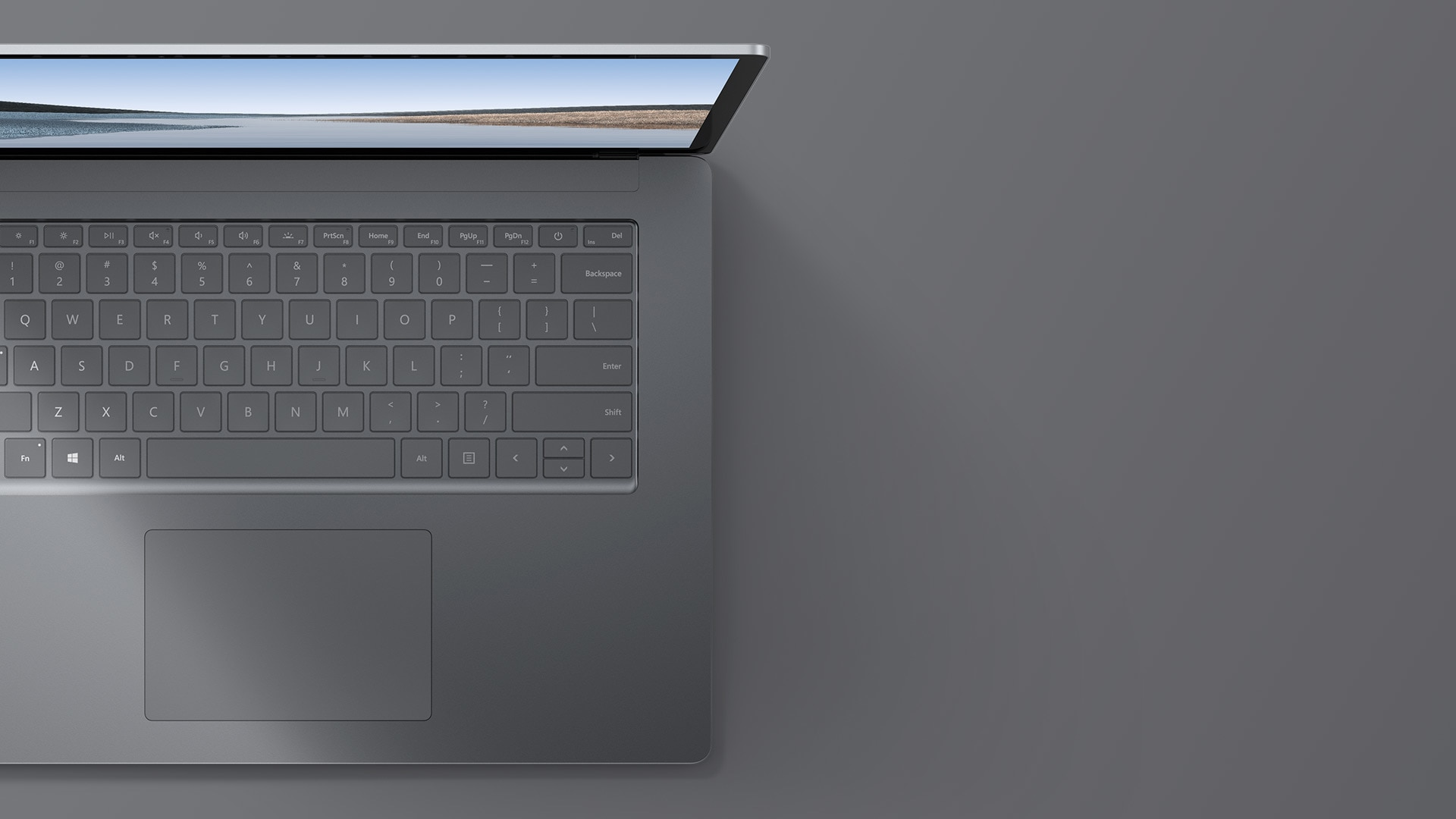 "15"" Surface Laptop 3 i platin set oppefra og ned"