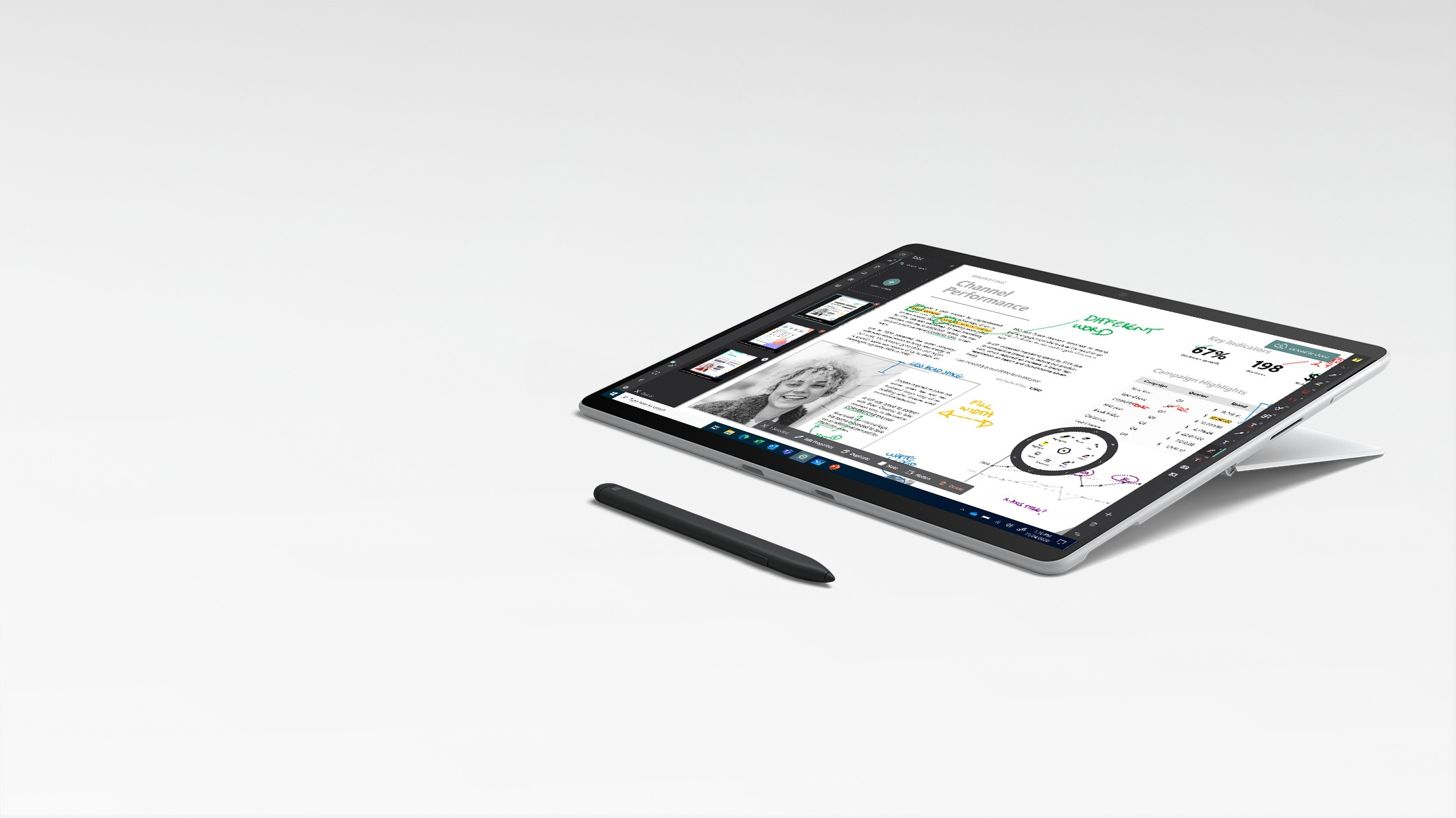 Surface Pro X im Studio-Modus mit Surface Slim Pen