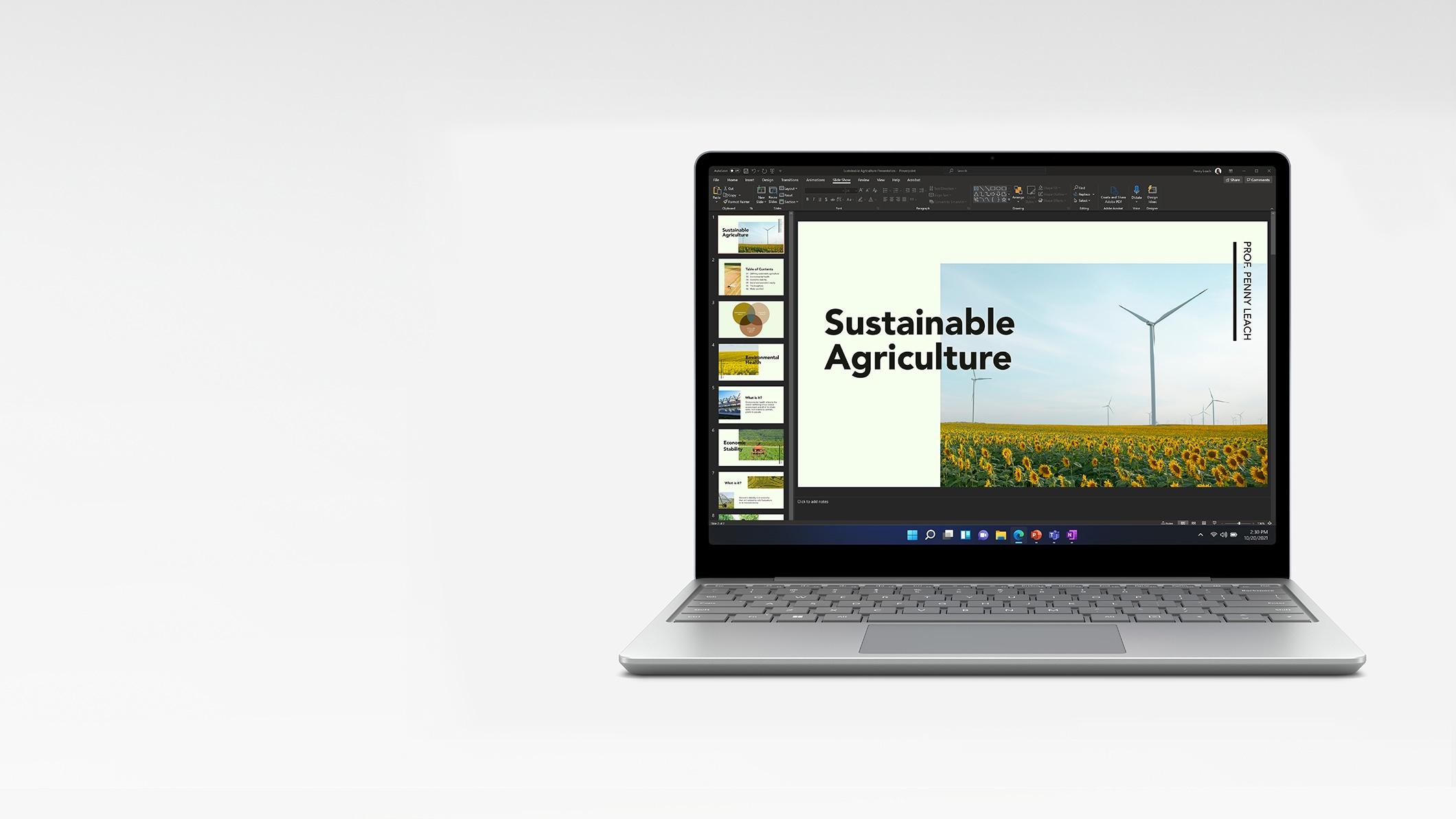 SurfaceLaptop Go من الأمام مباشرة مع عرض تقديمي بتنسيق PowerPoint على الشاشة