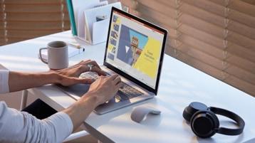 Surface Laptop 3 su una scrivania