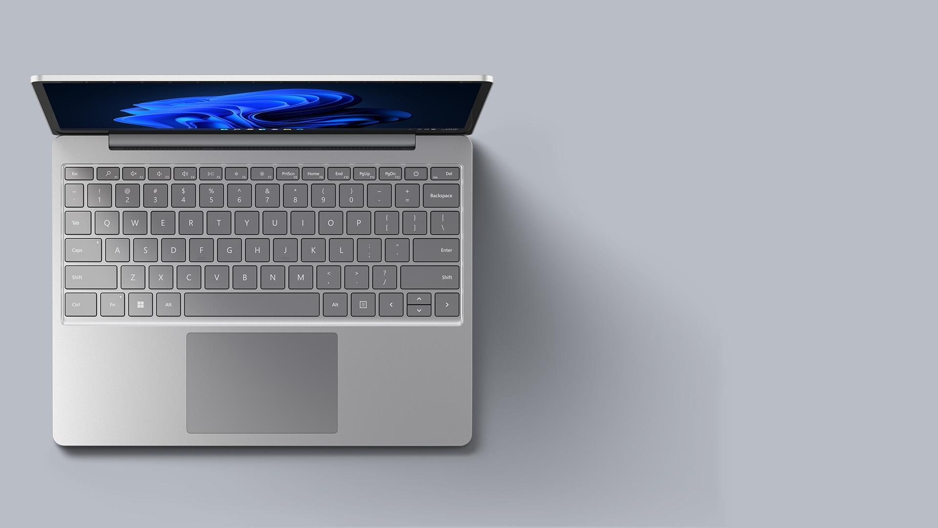 プラチナの Surface Laptop Go