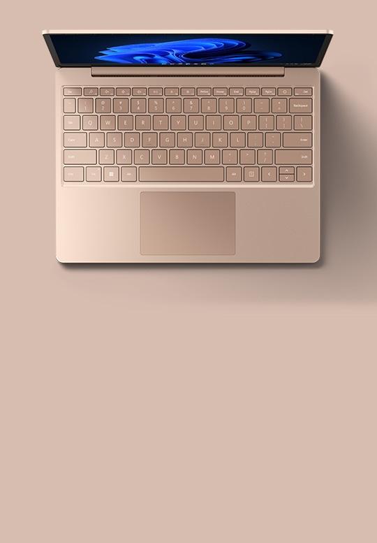 サンドストーンの Surface Laptop Go