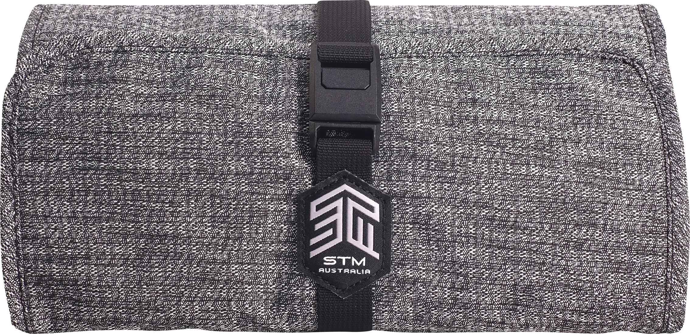 STM Dapper Wrapper Keep accessories contained and neatly ordered on the move with the Dapper Wrapper's functional pockets and refined aesthetics.