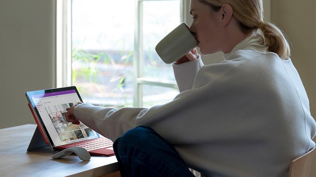شاشة ™PixelSense مقاس 12.3 بوصة عالية الدقة لجهاز Surface Pro 7