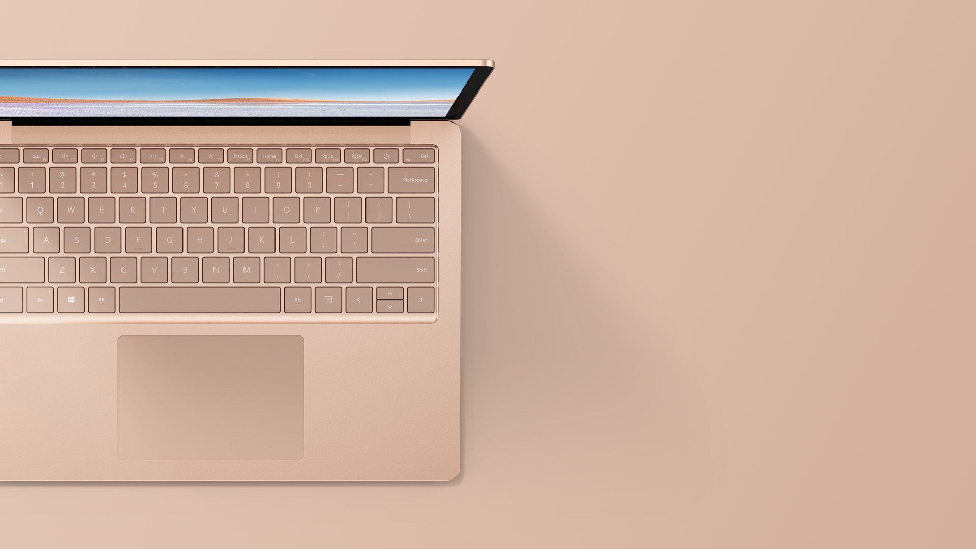 砂巖金 13.5 英寸 Surface Laptop 3 俯視圖