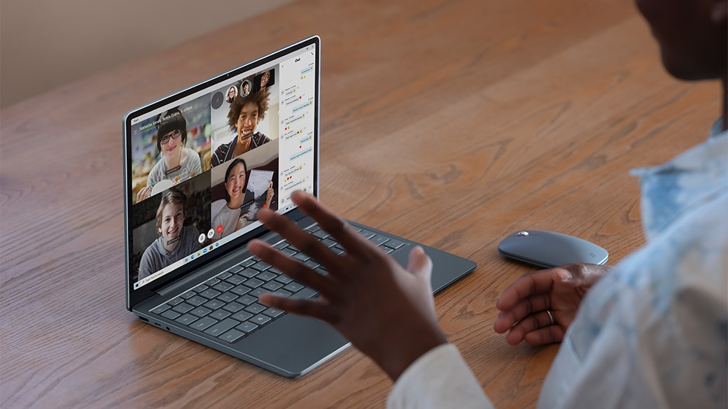 Surface Laptop Go HD 相機