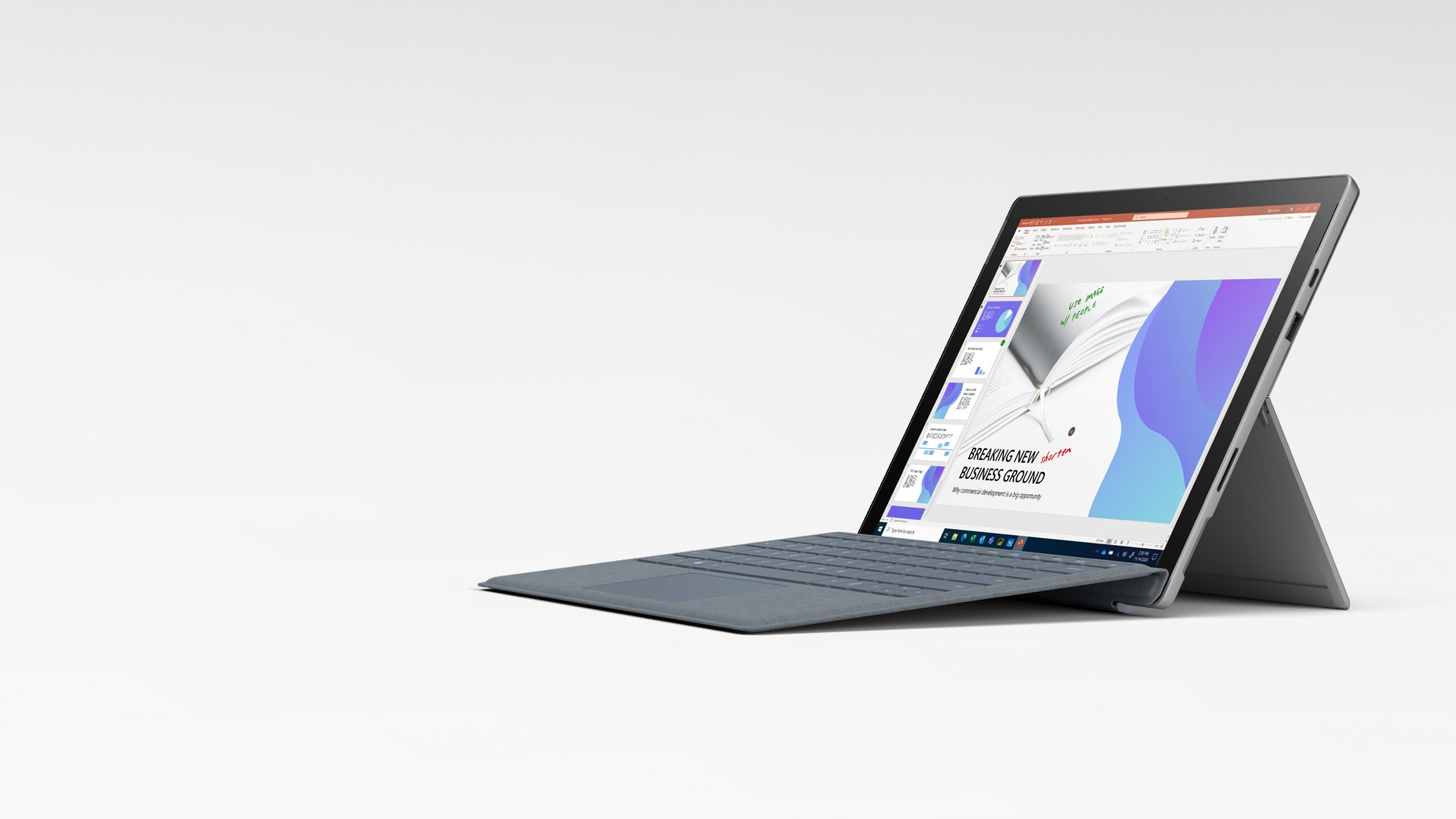 Microsoft PowerPoint auf Surface Pro 7+ im Laptop-Modus mit dem Surface Pro X Signature Keyboard