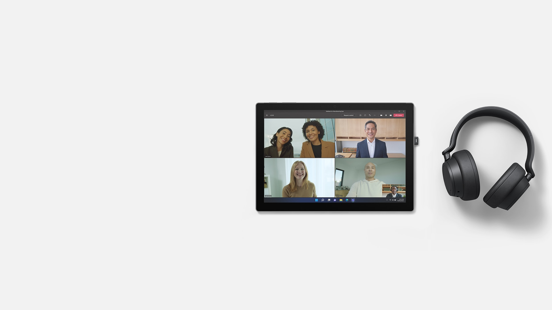 Together Mode in Microsoft Teams on a Surface Pro 7+ with Surface Headphones 2+ placed on the right side