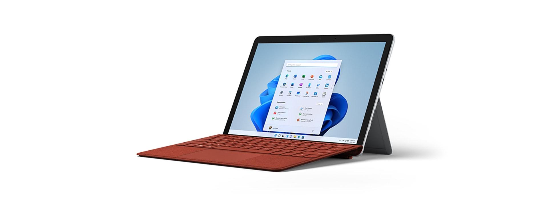 SurfaceGo3 avec un clavier TypeCover pour Surface en mode pied multiposition intégré.