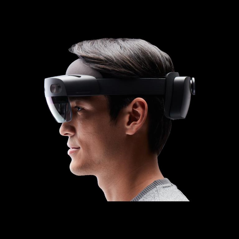 Persona che indossa un dispositivo HoloLens 2.