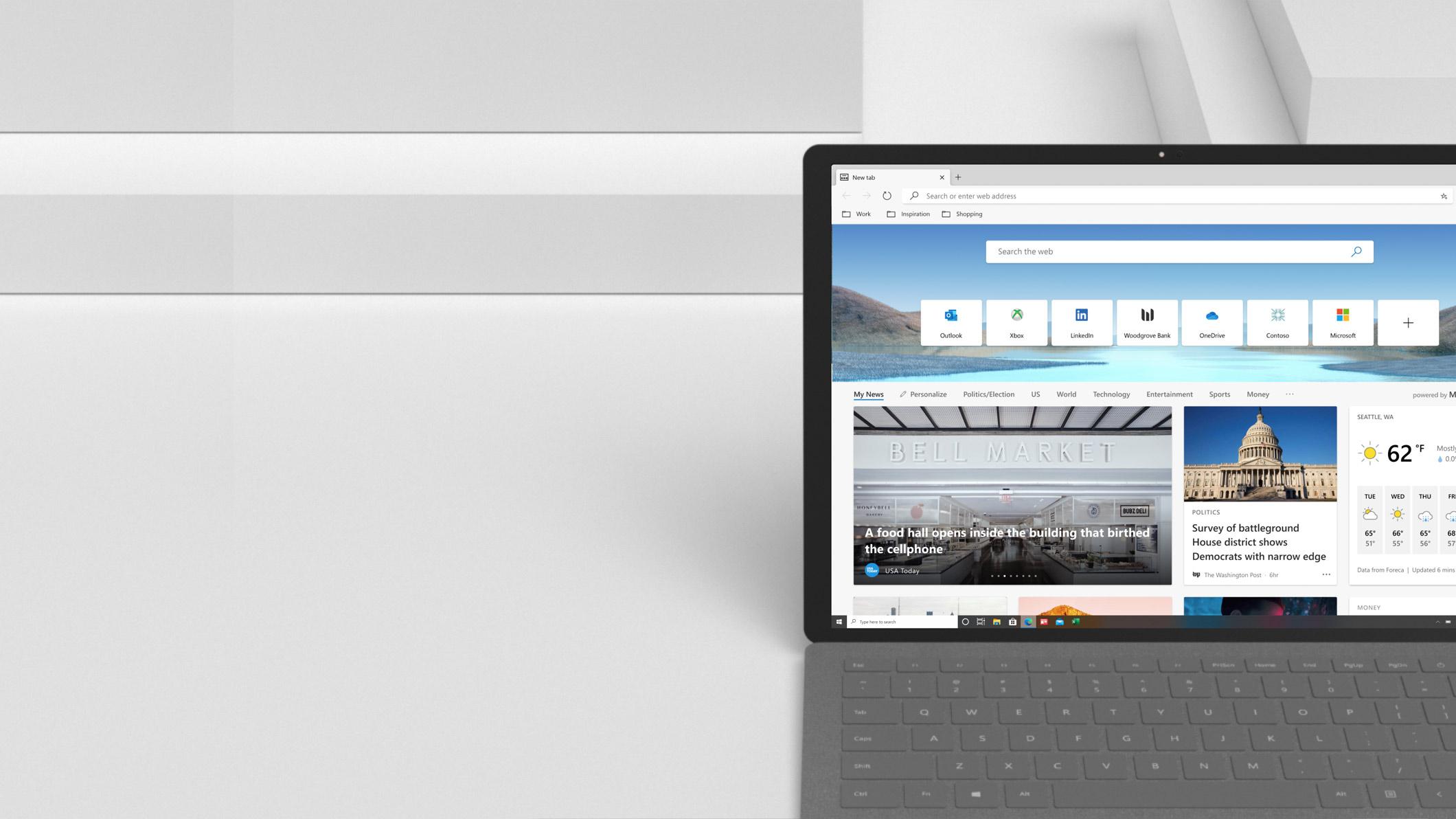Domovská stránka portálu Microsoft News na obrazovce notebooku