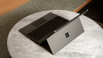 Surface Pro 7 mit Type Cover