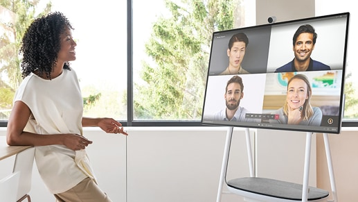 A women in a video call on Microsoft Teams with four other people