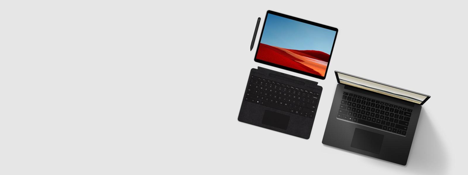 Immagine di un dispositivo Surface Laptop 3 e un dispositivo Surface Pro X su sfondo neutro