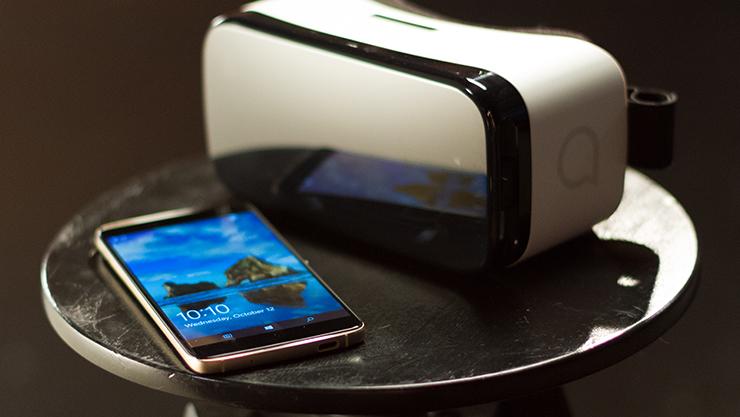 Alcatel Idol 4S and VR headset