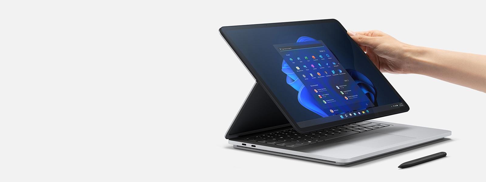 جهاز Surface Laptop Studio في وضع المسرح