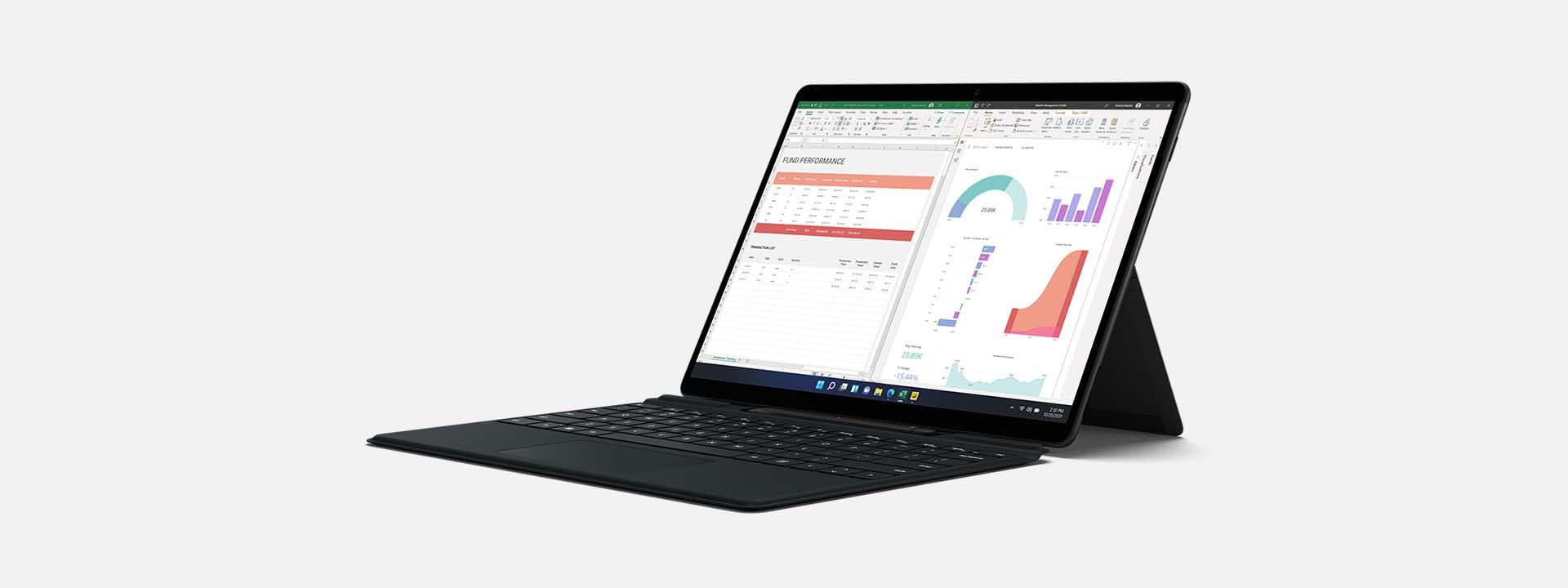 展示採用膝上型電腦模式的 Surface Pro X 與畫面上的多個應用程式