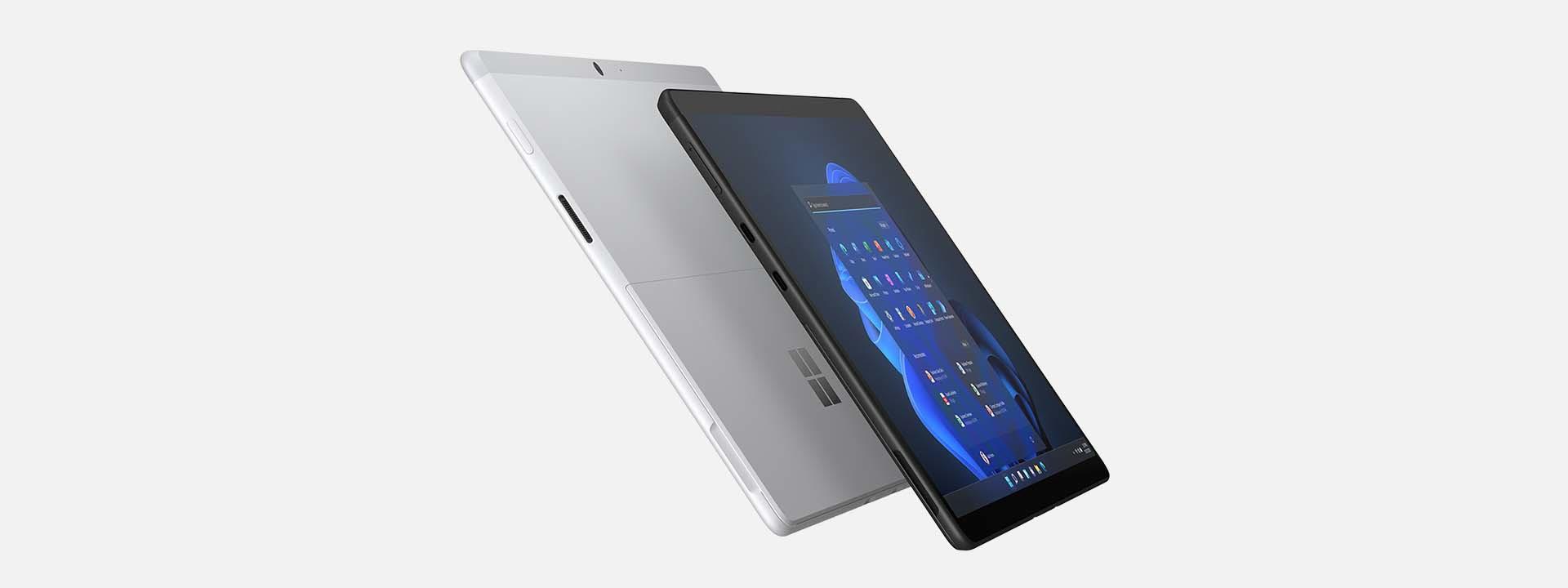 展示兩台 Surface Pro X 裝置背靠背