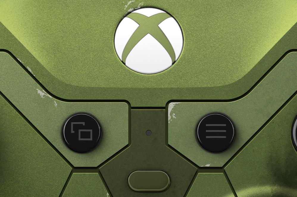 Close-up van de deelknop van de Xbox Elite draadloze controller Series 2 - Halo Infinite Limited Edition