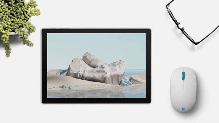 An Ocean Plastic Mouse widows theme shown on a tablet screen