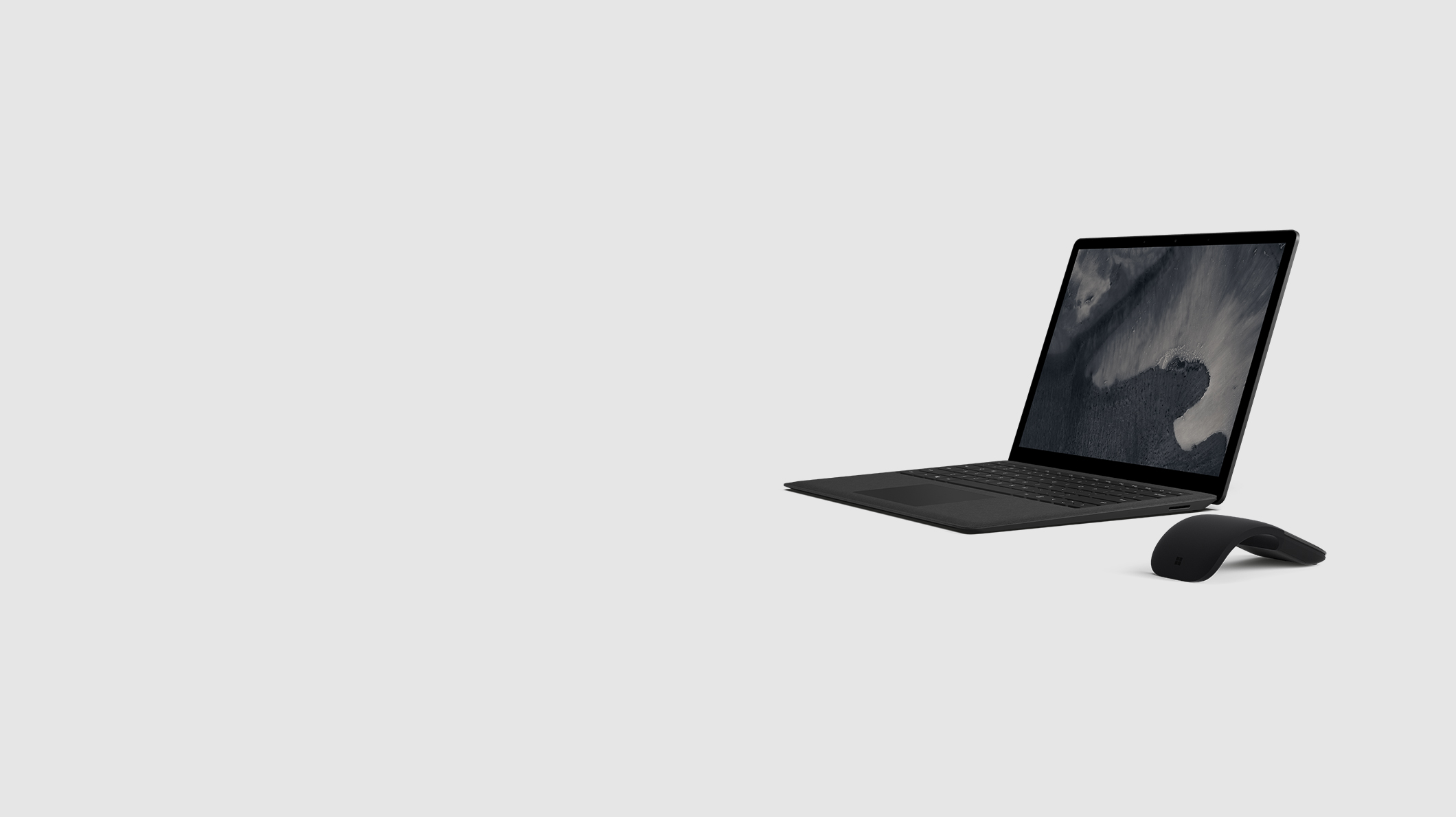 Surface Laptop 2 + Surface Arc Mouse in Schwarz