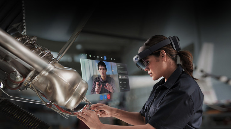 Microsoft HoloLens | Mixed Reality Technology for Business